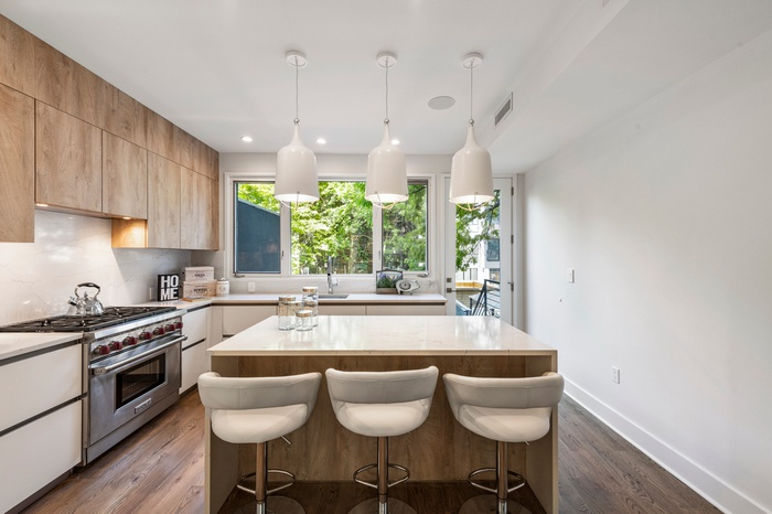 Exquisite Brooklyn Townhome In The Heart of Bed-Stuy!