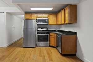 Studio in elevator building in prime Cobble Hill / Brooklyn Heights / Downtown BK.