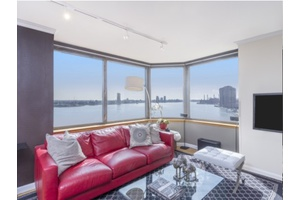 No Fee - Full Service Building  -Bright 2 Bedroom / 2 Bathroom w/ Gorgeous River Views in Murray Hill
