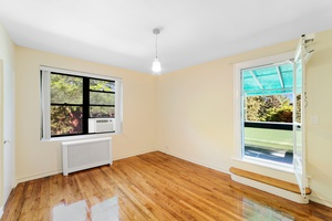 East Elmhurst/Astoria Heights: Convertible 2 Bedroom Condo For Sale with Private Terrace
