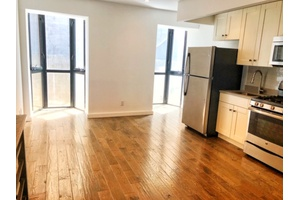 No Fee - Spacious 2 Bedroom Duplex w/ Common RoofDeck in Bed Stuy, Brooklyn