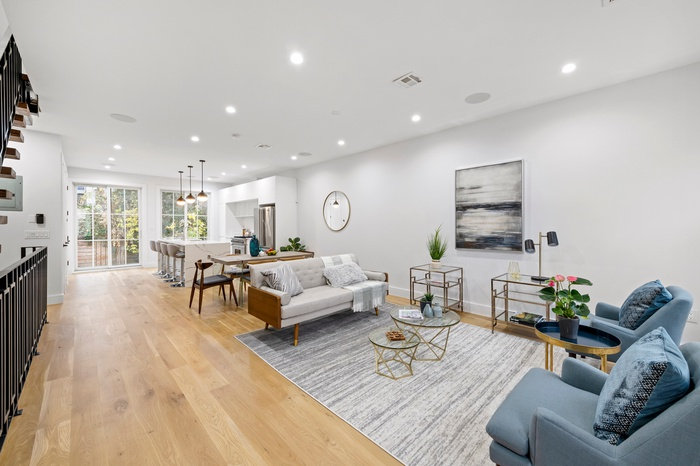 Renovated Bed-Stuy Brick Townhome off Tompkins