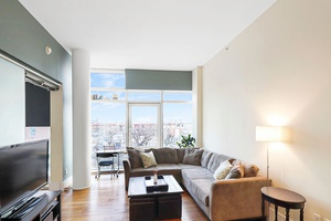 Lofty Modern One Bed on Coveted LIC Street