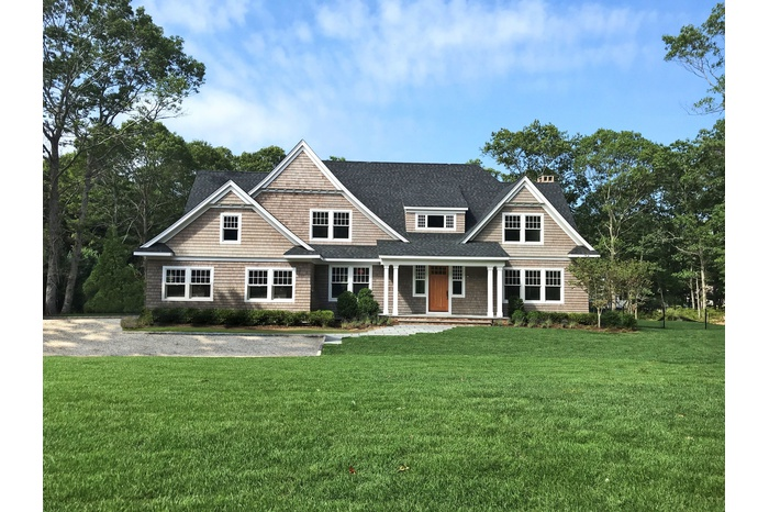 New Large Modern Home in Sag Harbor