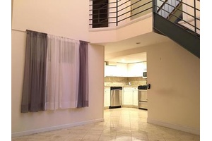 West Village Duplex - Private Yard - 2 Bedroom / 2 Bath - SS Appliances