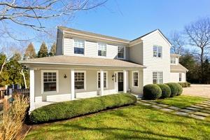 Remodeled stylish designer home in East Hampton