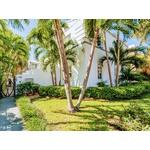 Heart Of Miami  Radiant 2BR/2BA Condo, Terrace, Steps to Flamingo Park & Lincoln Road