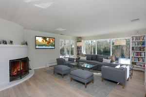 East Hampton - Georgica-  2 acres, 3 En-suite, $3,495,000