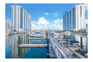Ultimate Sophistication -4BR/4.5BA + Den Penthouse -Elevated Life On The Water