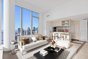 Be the first to live in 3BD 3BA Residence w/ Skyline Views at the Luxurious One Manhattan Square | LES