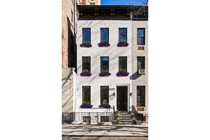 A Paragon of Contemporary Manhattan Luxury