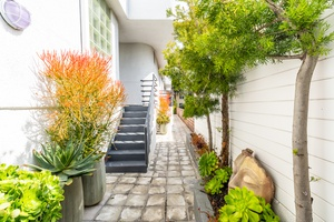 3 Story Townhome in Prime West Hollywood Neighborhood