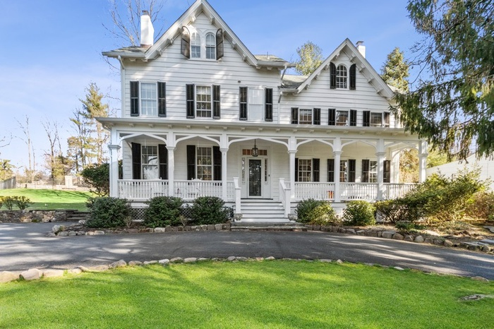 Renovated Victorian on .96 Acre with Salt Water Pool