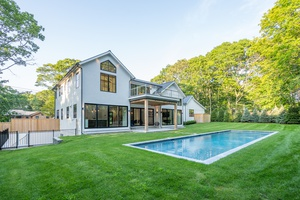 Stunning New Construction in a Prime location of  East Hampton