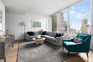 Brooklyn Heights *Three Bedroom-Two Bath Full Floor* Private Balcony / Hi-Rise/ Luxury Amenity / 24-Hour Concierge / Outdoor Rooftop / Terrace / BBQ Space / Lounge Room / Fitness Center/ Yoga Room / Freedom Tower Views / Minutes to Manhattan