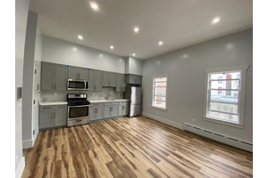Beautiful and Spacious Two Bedroom Brooklyn Apt Near Prospect Park!