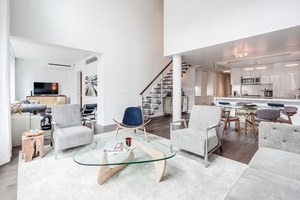 An Exceptional 2,456SF Generous Home In TriBeCa
