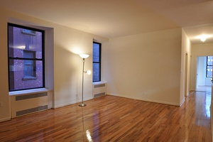 ASTONISHING 3 FLEX 4 BR,2BATH--E31 ST/MADISON AVE--STEPS FROM THE GANSTEVOORT HOTEL--EMPIRE ESTATE BUILDING VIEW!!