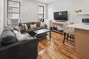 Sunnyside, Queens: Top Floor 1 Bedroom For Sale in Elevator/Laundry Co-Op