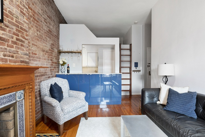 Charming Renovated One Bedroom with Sleeping Loft & Fireplace!