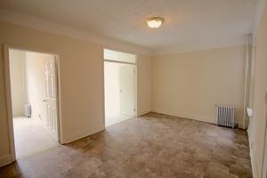 Astoria/LIC: Massive Top Floor 4 Bedroom For Rent - 1 Block to N & W Train