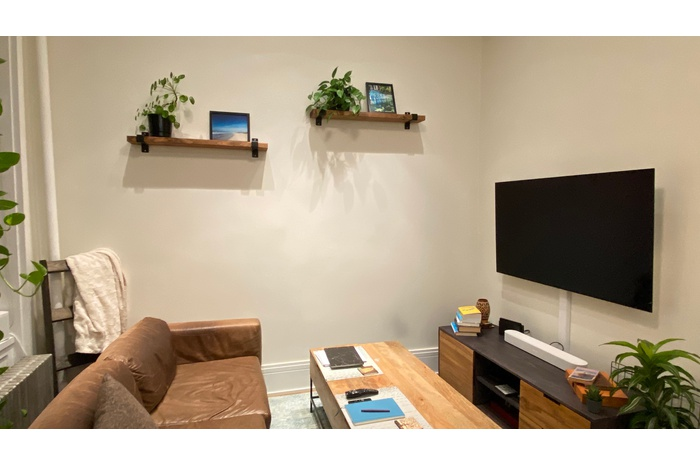 One bedroom in Hell's Kitchen near Columbus Circle, No Fee!