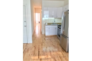Gorgeous 1 Bedroom Apartment in the Heart of Greenpoint