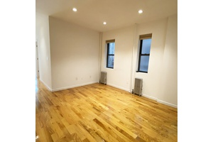 PRIME MIDTOWN WEST,STEPS FROM TIME SQUARE,HUDSON YARD,CENTRAL PARK,4BR 2BATH ONE MONTH FREE RENT AND NO FEE