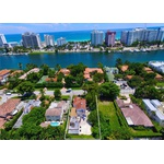Great opportunity for investors.! 7,500 sq lot in Miami Beach for single family home.