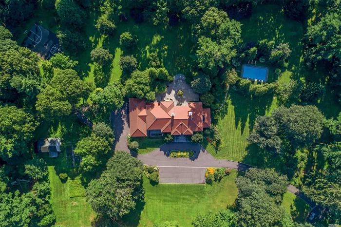 Magnificent 6.8 Acre Mansion