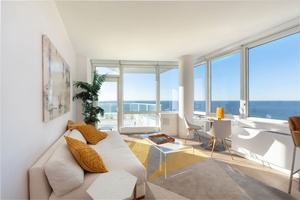 2 Bed/2 Bath, Miami living in NYC! NO Broker's FEE + 3 Months Free!
