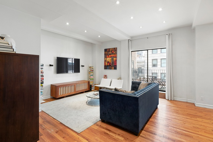 Elegantly Renovated 2 Bedroom with Private Outdoor Space Under $1M!
