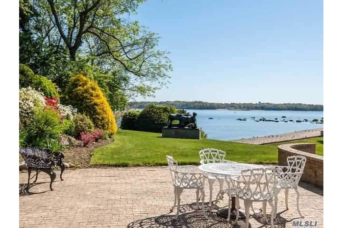 Almost 8 acres of sprawling waterfront