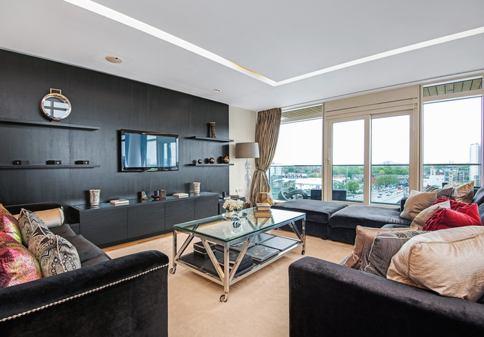 Luxury 3 bed, 3 bath, Suite with large outside space and fantastic river views