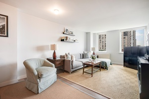 Beautiful Bright Battery Park One Bedroom with views of Statue of Liberty!