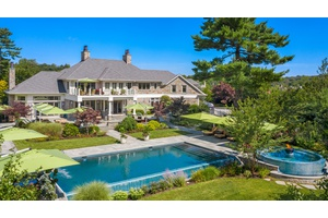 Secluded Gem in Old Westbury