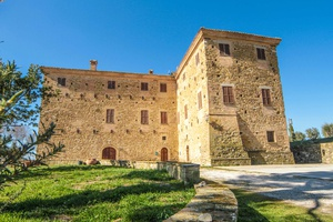 Grande Historical Villa with Olive Groves and Beautiful Park Settings