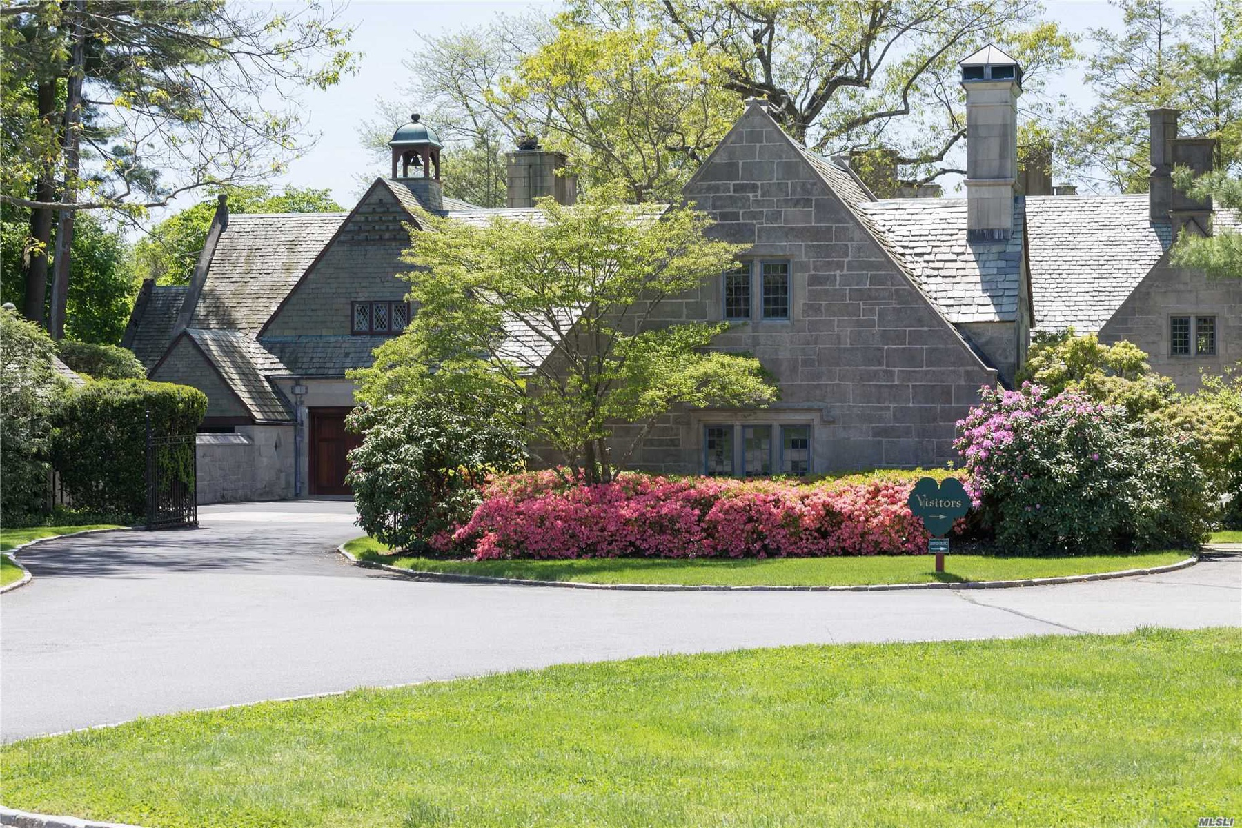 Butler's Cottage & Court Entrance