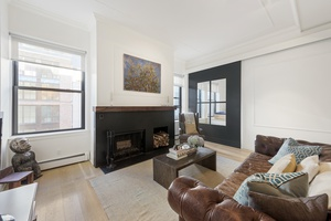 Stunning Designer Renovated 1050sf Loft, 1 Bed + Home Office at the Armory