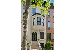 GUT RENOVATED SUNFLOODED UES TOWNHOUSE