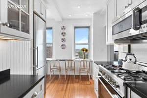 1 Plaza Street West - 1 Bedroom with City views