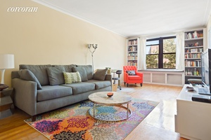 110 Ocean Parkway 2D is a spacious and lovely two bedroom co op located in the Windsor Terrace Kensington section of Brooklyn.