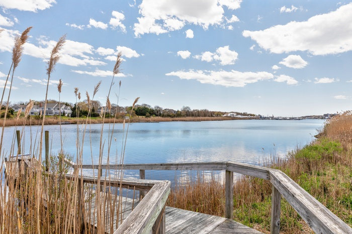 New to Market Waterfront Dock Pool Minutes to WHB Village 4BR