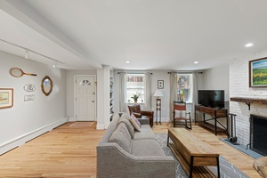 2 Bed Prime Cobble Hill with Private Outdoor Space