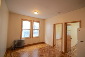 Astoria: NO FEE! Rent Stabilized 2 Bedroom (Both Queen Sized) For Rent Off 30th Avenue