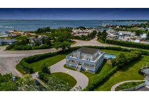 Idyllic Hampton Bays Location