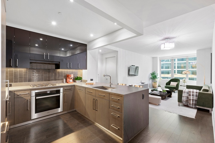 South East Facing 1,221 SF 2 Bedroom 2.5 Bathroom Residence at the Luxurious One Riverside Park Condominium!
