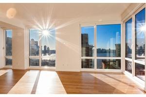 Stunning Battery Park City Penthouse