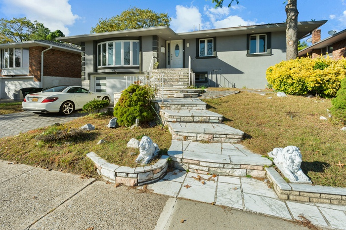 6 Bedroom Oasis in Valley Stream - Newly Renovated & Priced to Sell!