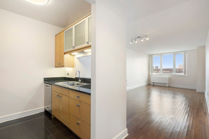 NO FEE! Spacious 1 Bedroom Apartment w/ DIRECT Hudson River Views from ALL Rooms